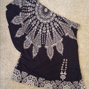 Studio Y off the shoulder blouse size xl